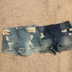 4/$25 Lot of Charlotte Russe shorts.